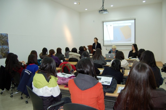 Ms. Sung-hee Cho of the NMCA Korea's Department of Education & Residency Program